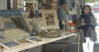 Kraam op kunstmarkt Emiclaer